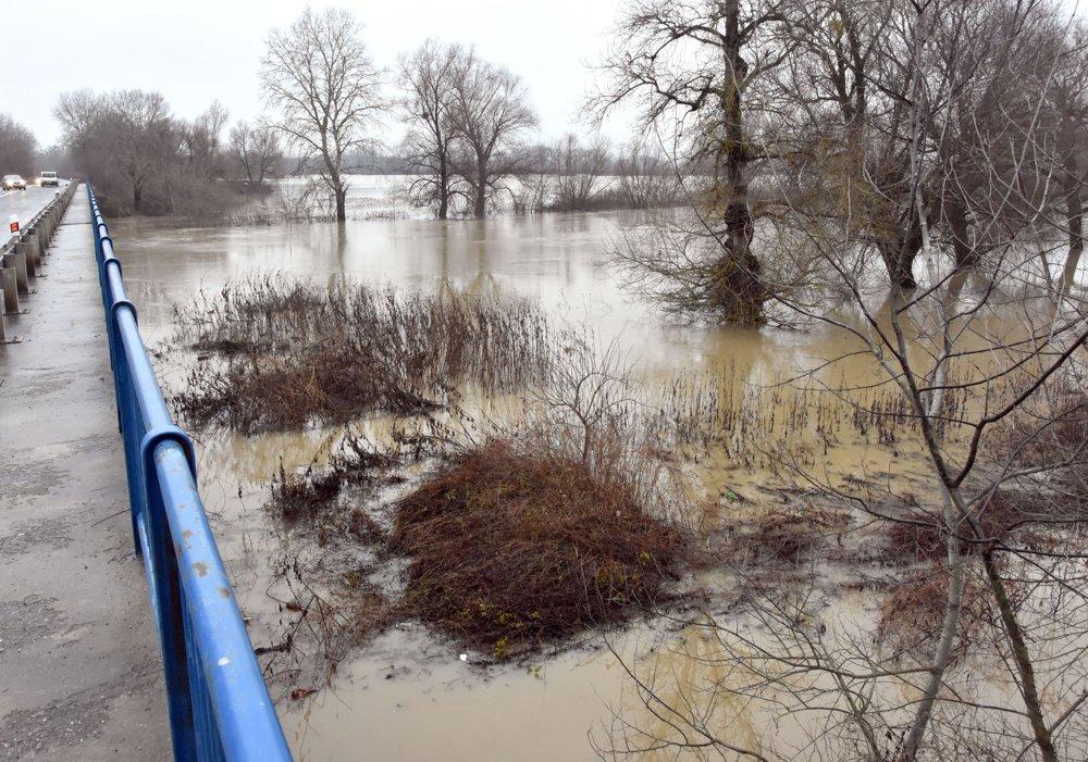 На словацькому боці річок Уж та Латориця залишається 2-й рівень небезпеки повені (ФОТО)