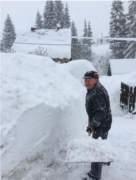 Зимове пекло: Словаччину засипало метровим снігом (ФОТО)