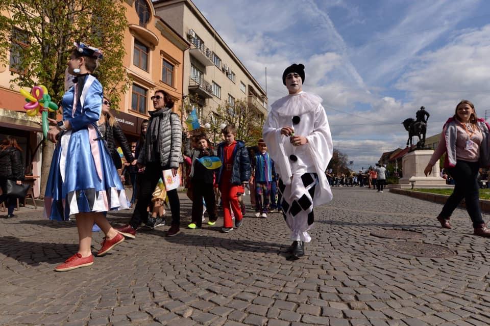 Імпреза над Латорицею: У Мукачеві урочисто відкрили театральний фестиваль (ФОТО)