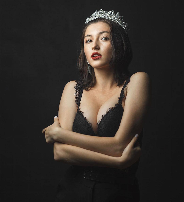 """Хто вони і звідки 15 претенденток на корону """"Міс Закарпаття""""? Оприлюднено фіналісток конкурсу (ФОТО. ВІДЕО)"""