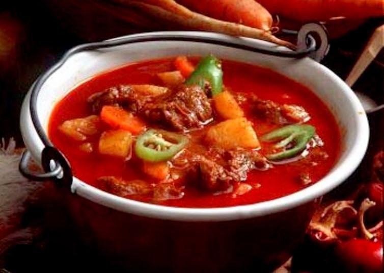 Бограч, голубки, токан: ТОП-10 автентичних страв Закарпатської кухні фото