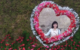 Фестиваль квітів у замку Сент-Міклош
