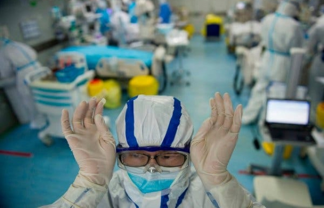 Хто є найбільш вразливим до коронавірусу: МОЗ оголосив список групи ризику