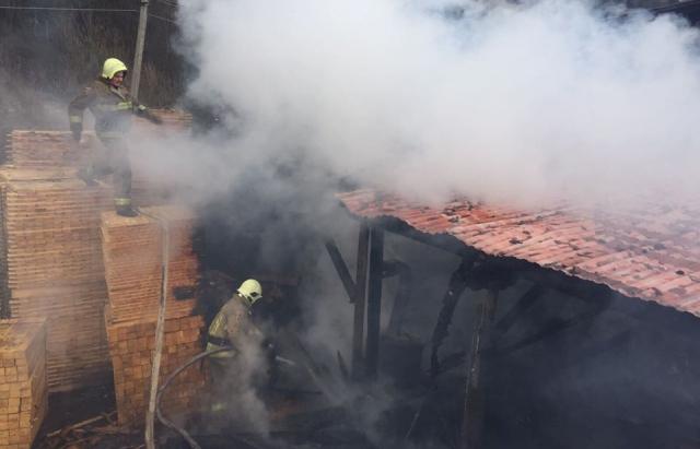 Пожежа у Міжгір'ї: зайнялася пилорама (ФОТО)