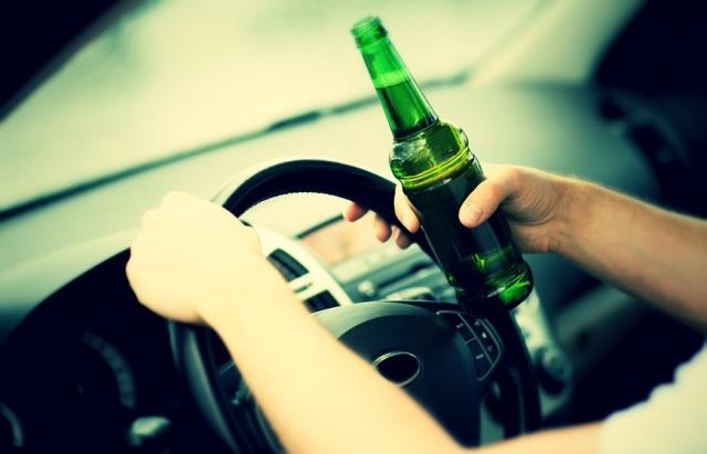 Ужгородські поліціянти зупинили авто з компанією п'яних молодиків