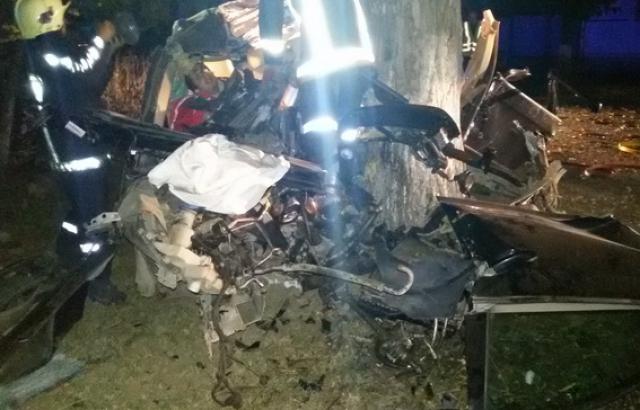 У Берегові жахлива ДТП: Загинули двоє молодих хлопців (ФОТО)