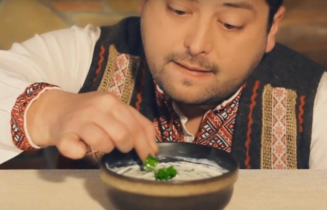 Бограч, шовдарь і кнедлі: у мережі з'явилось кумедне відео про закарпатську гастрономію (ВІДЕО)