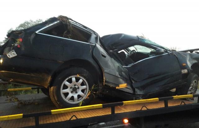 Вночі під Мукачевом 3 молодиків перекинулися на Audi, один загинув (ФОТО)