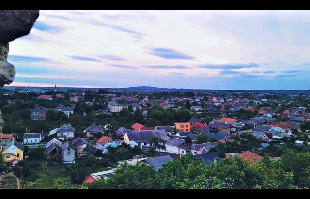 Відео дня: погляд на Виноградів з висоти містичного замку