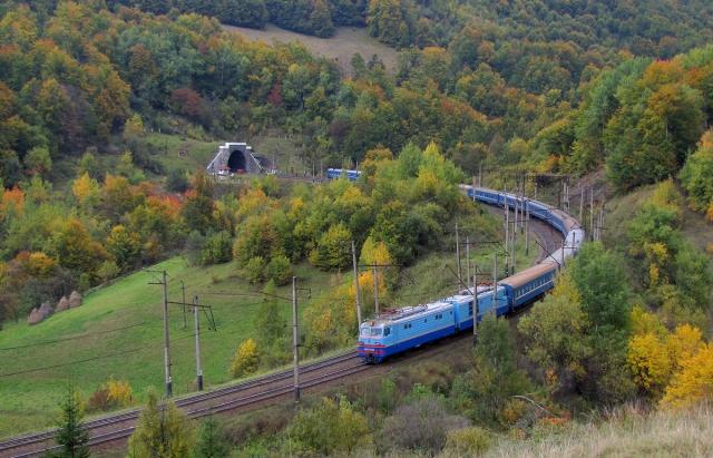 Закарпатцям на замітку: Укрзалізниця пояснила правила перевезення потягами
