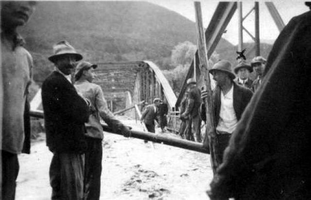 Паводки на Закарпатті: історичні фото та відео