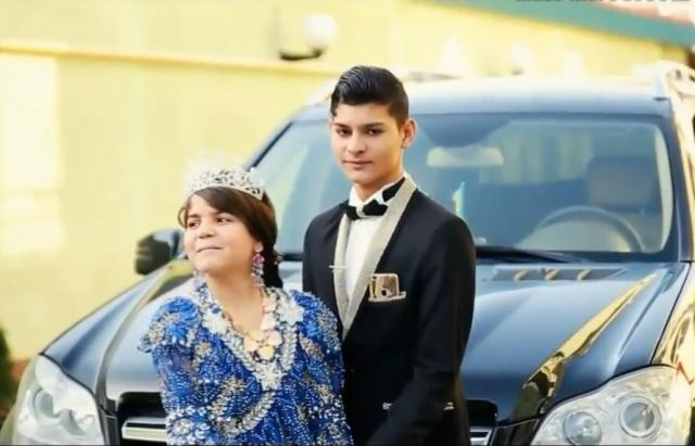 Весілля на мільйон: як 3 ромські пари мажорно взяли шлюб у Мукачеві