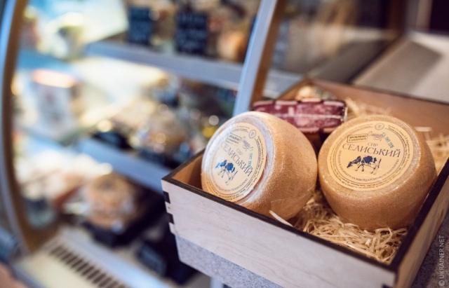 Унікальне Закарпаття: як в краї виробляють сир за тисячолітньою традицією Швейцарських Альп