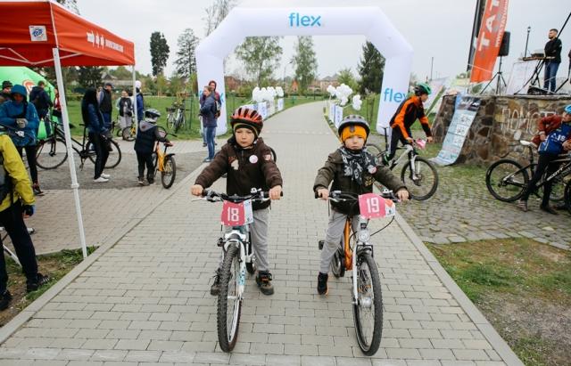 Сакура Race у Мукачеві: на старт вийшло 44 велосипедиста