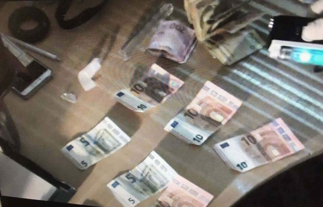 """Спецоперація СБУ на КПП """"Тиса"""": Затримано митника на хабарі (ФОТО)"""