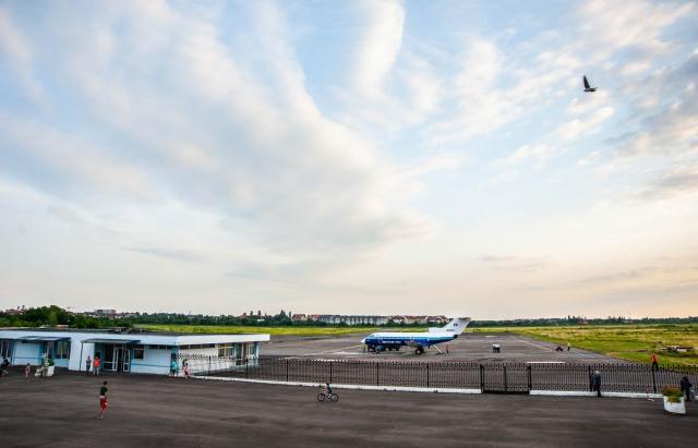 """Аеропорт """"Ужгород"""" знову запрацює: Україна та Словаччина підписали угоду"""