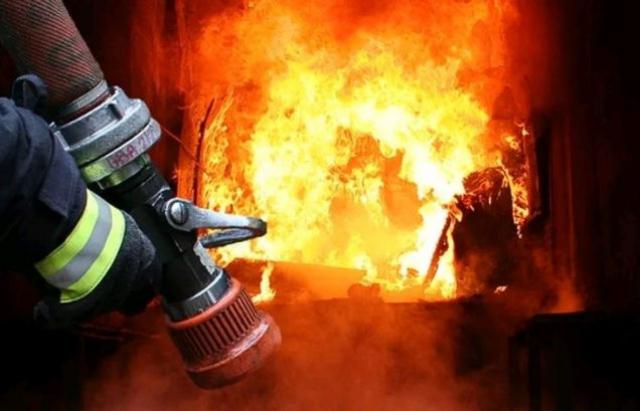 Пожежа на Рахівщині: горів житловий будинок