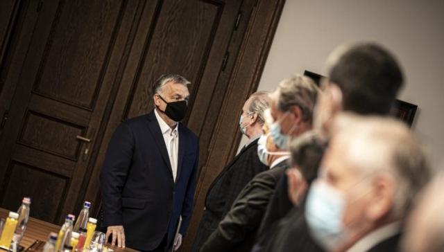 Уряд Угорщини планує комендантську годину з 20-ї вечора та заборонити зібрання
