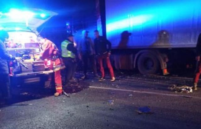Моторошна ДТП на Іршавщині: автівка влетіла у вантажівку. Загинув водій (ФОТО)