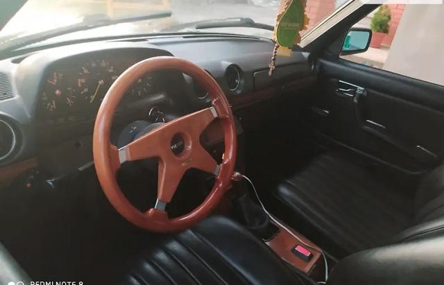 На Закарпатті продовжують реставровувати старі Mercedes (ФОТО)