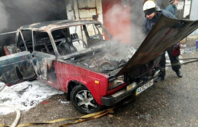 """Пожежа на Хустщині: вогонь знищив """"сімку"""" вщент"""