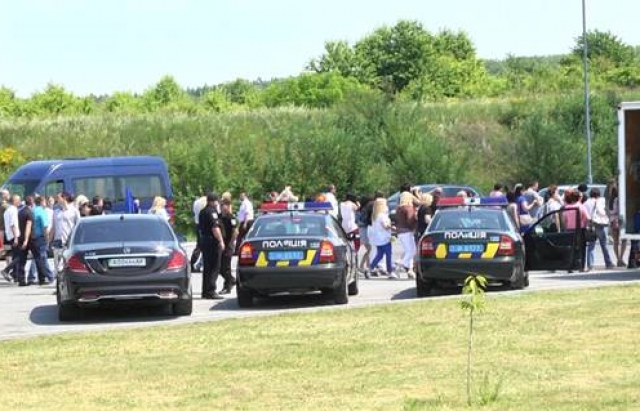750 поліцейських підтримували порядок під час візиту Порошенка