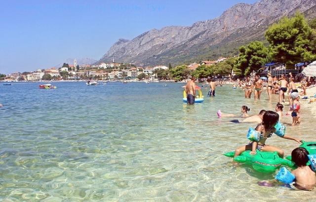 Туристичний бум: Відпочинок на морі за кордоном подорожчав, але закарпатців це не зупиняє