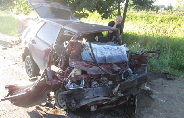 Оприлюднено фото з місця ДТП на Тячівщині, в якій загинув правоохоронець