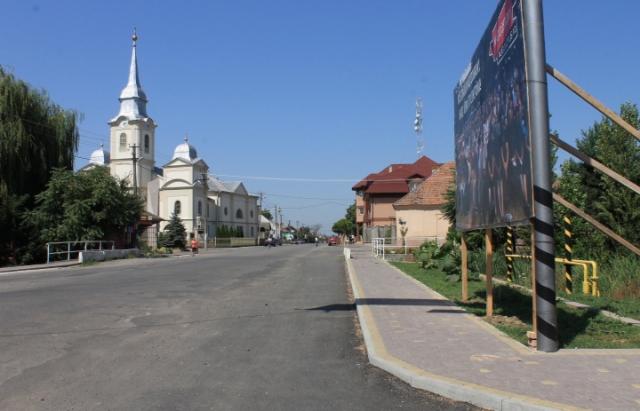 Жодної ями через рік: вулиці В. Доброні, які селяни відремонтували самотужки, в ідеальному стані