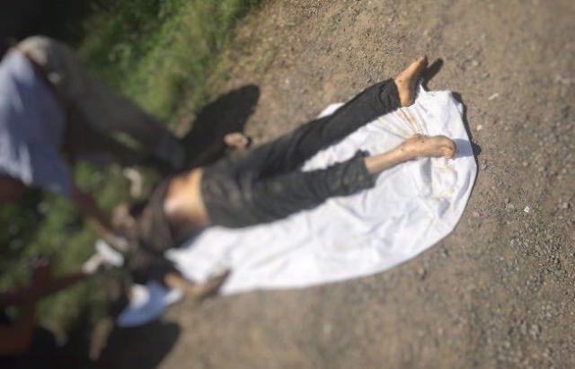 У канаві в с.Зарічово виявили труп з 30 ножовими пораненнями (ФОТО 16+)