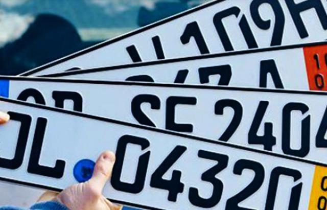 У Порошенка погрожують повністю заборонити в'їзд в Україну авто на іноземних номерах