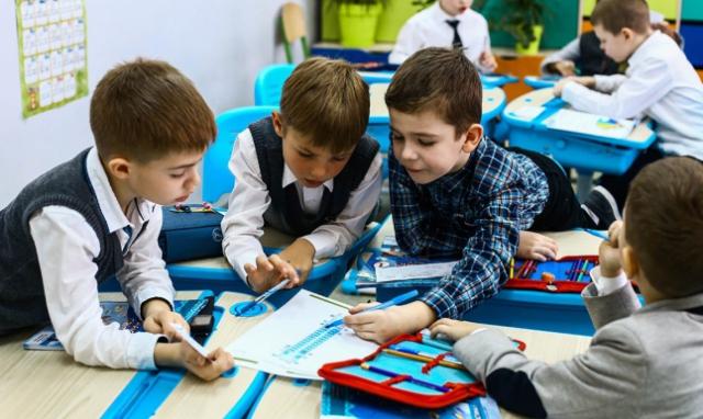 З четверга школи та садочки Мукачева відновлюють роботу