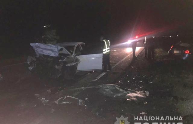 Загинуло 2 людей: Неподалік Мукачева зіткнулись два Volkswagen (ФОТО)