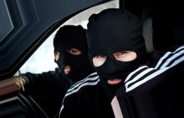 Бандитське пограбування на Закарпатті: невідомі у балаклавах і на BMW викрали чоловіка