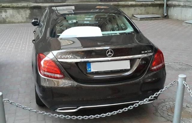 """Почалося: """"пересічника"""" на Mercedes з Ливти оштрафували на 3 мільйони"""