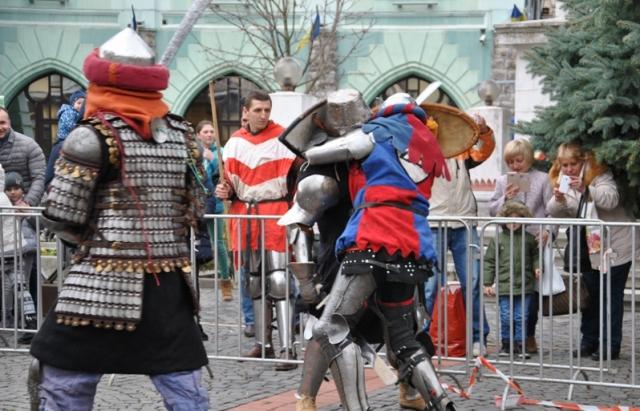 День Святого Мартина у Мукачеві: йдуть запеклі бої лицарів
