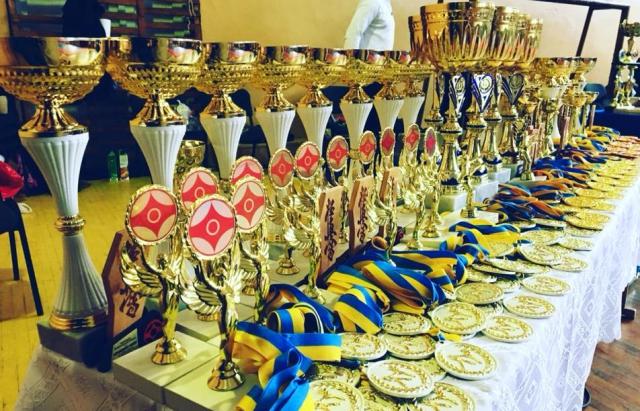 Мукачівці взяли 37 медалей на Чемпіонаті Закарпаття з кіокушинкай карате