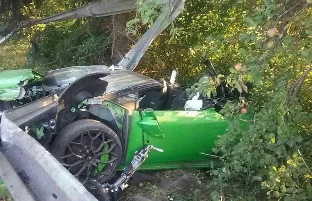 Елітна ДТП: у Словаччині розбився політик на Lamborghini (ФОТО)