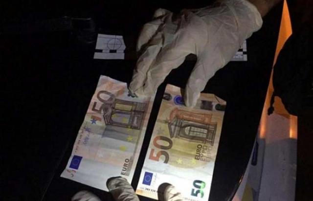 100 євро: Водій фури хотів підкупити закарпатських патрульних