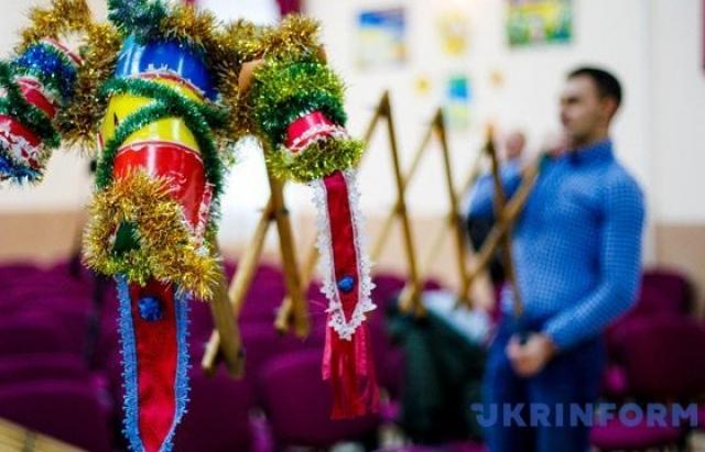 Унікальна традиція: Як по закарпатському селу на Різдво шаркань ходить (ФОТО, ВІДЕО)