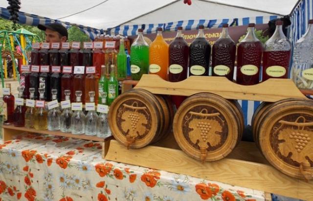 Тепер в Україні щорічно відзначатимуть свято виноробів та садівників