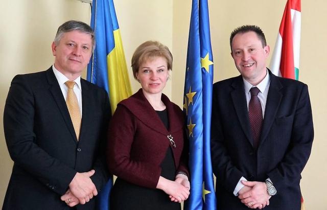Черги на кордоні припиняться? Посол України в Угорщині відвідала
