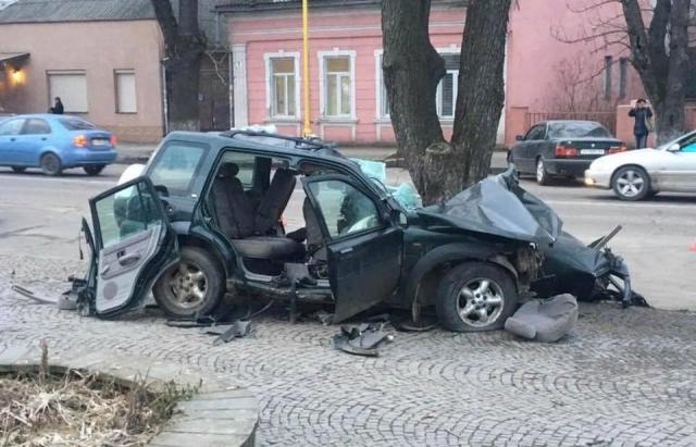 Жахлива ДТП в Ужгороді: 3 загиблих, 1 людина в лікарні. Подробиці від поліції (ФОТО, ВІДЕО, Доповнено)
