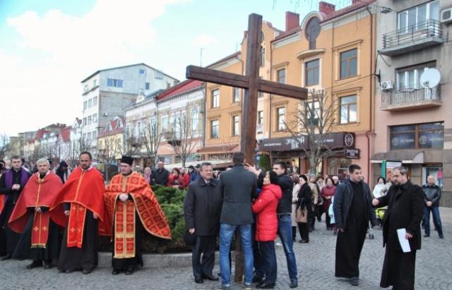 У неділю в Мукачеві відбудеться традиційна Хресна хода