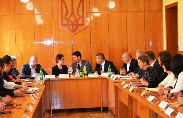 Посол США в Україні Марі Йованович відвідала Берегово