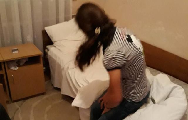 Адмінпротокол за проституцію та провадження за звідництво: У Хусті викрили бордель (ФОТО)