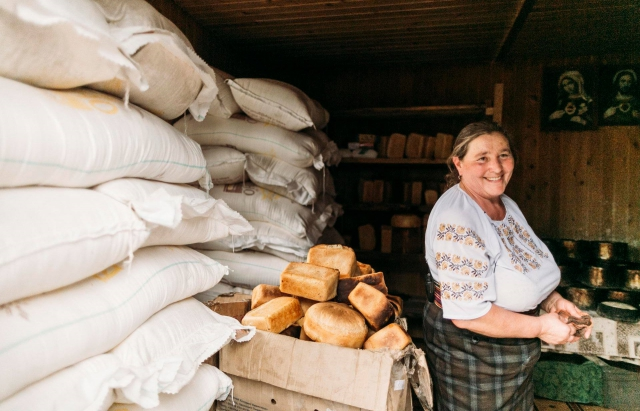 Як у Карпатах печуть гуцульський хліб (ВІДЕО)