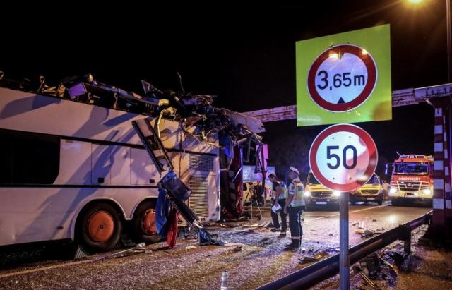 Трагічна ДТП в Будапешті: туристичний автобус з України протаранив обмежувач, – багато поранених (ФОТО)
