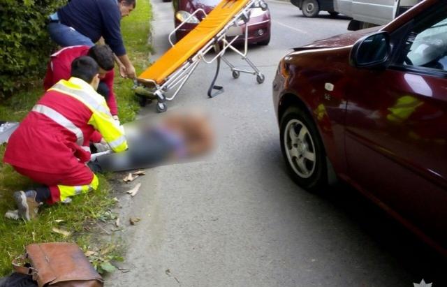 Чоловік, якого в Ужгороді збив Chevrolet, помер у лікарні