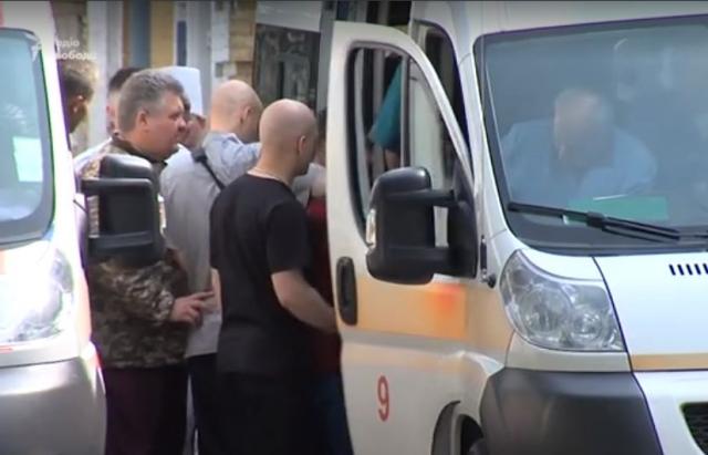 За життя двох закарпатців, які постраждали при вибуху міномету на Рівненському полігоні, борються львівські лікарі